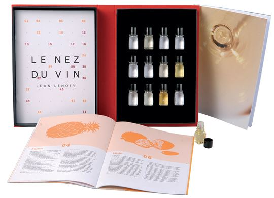 Picture of Le Nez du Vin, White Wines and Champagnes 12 aromas